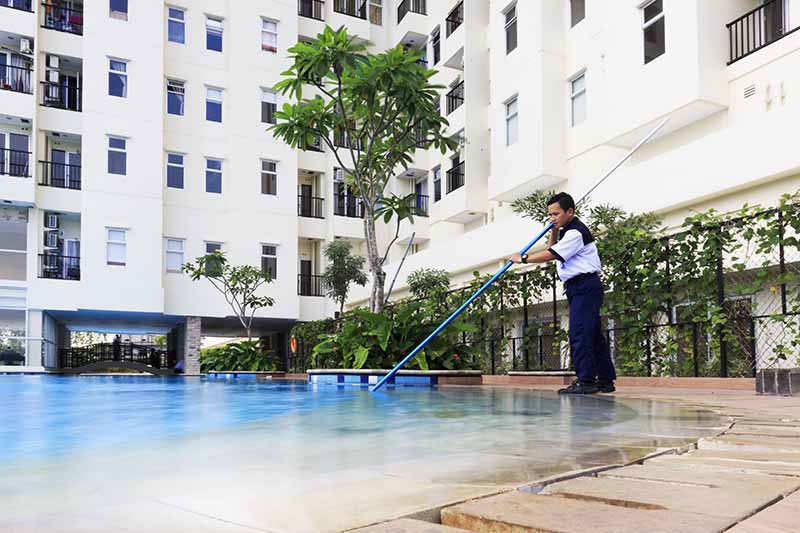 http://hes.co.id/an-component/media/upload-galeri/Commercial Cleaning 2